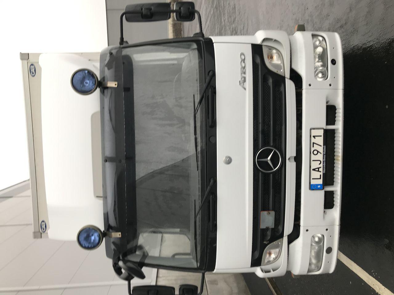 Mercedes Benz Atego 1524L 2011 - Skåp