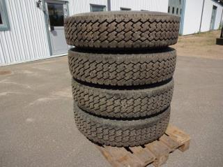 Michelindäck 12x22,5 Volvo lilla navet